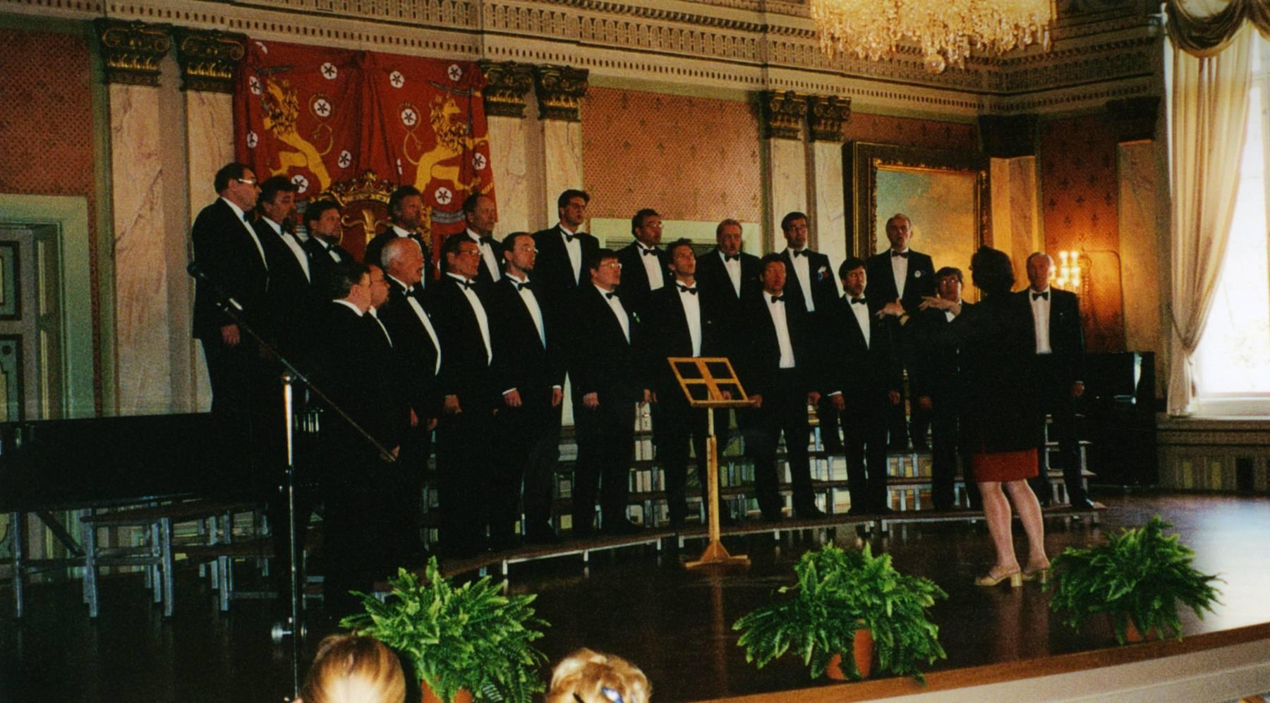 Pietarsaaren Laulu-Jaakot Vaasassa