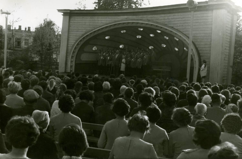 Pietarsaaren Laulu-Jaakot Jurmalassa
